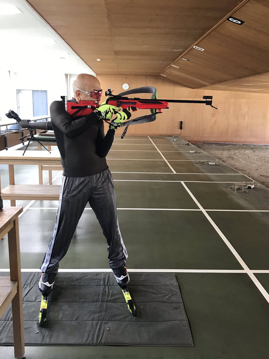 RT @bar_donjuan: 朝練  #射撃 #ライフル #biathlon https://t.co/9RuDVu2Rff