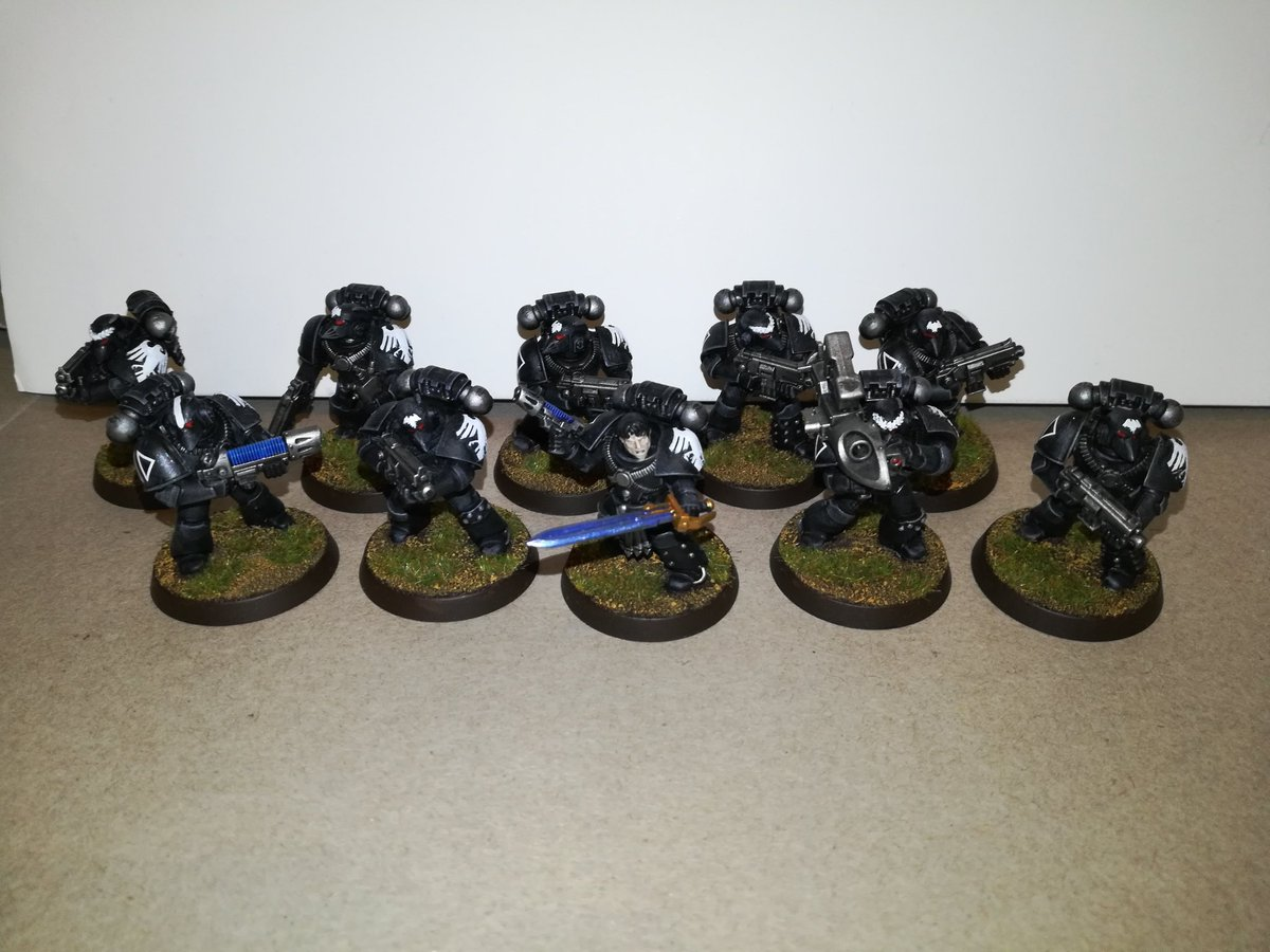 I've just completed a 30k Raven Guard army commission that is fully 40k legal.<br>http://pic.twitter.com/vahvEgTwIy