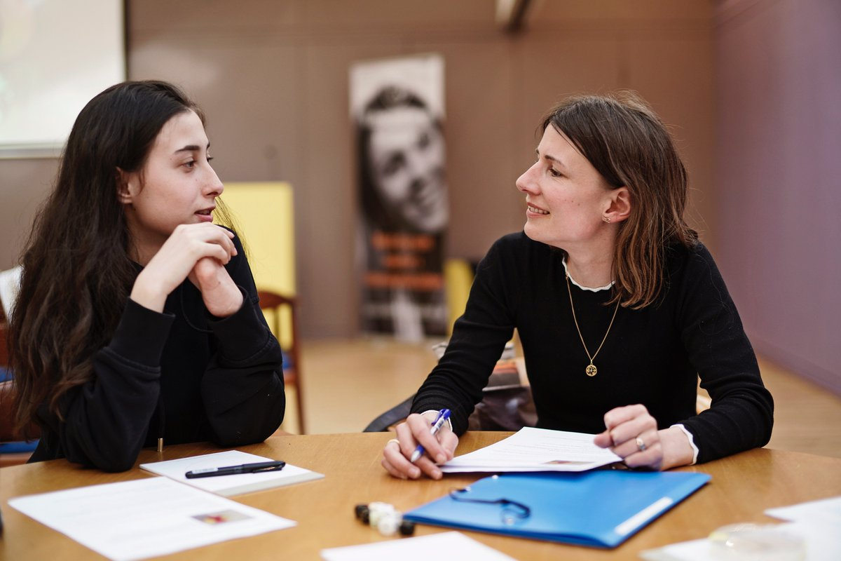 test Twitter Media - I dag afholder vi det første officielle møde for kommende unimentorer (=universitetsstuderende), som skal hjælpe os med at ideudvikle på, hvordan de selv kan agere rollemodeller for gymnasieelever. Vi glæder os helt vildt! https://t.co/ljAESV9oV2 #dkvid #dkforsk #skolechat https://t.co/5e9Ura9sWu