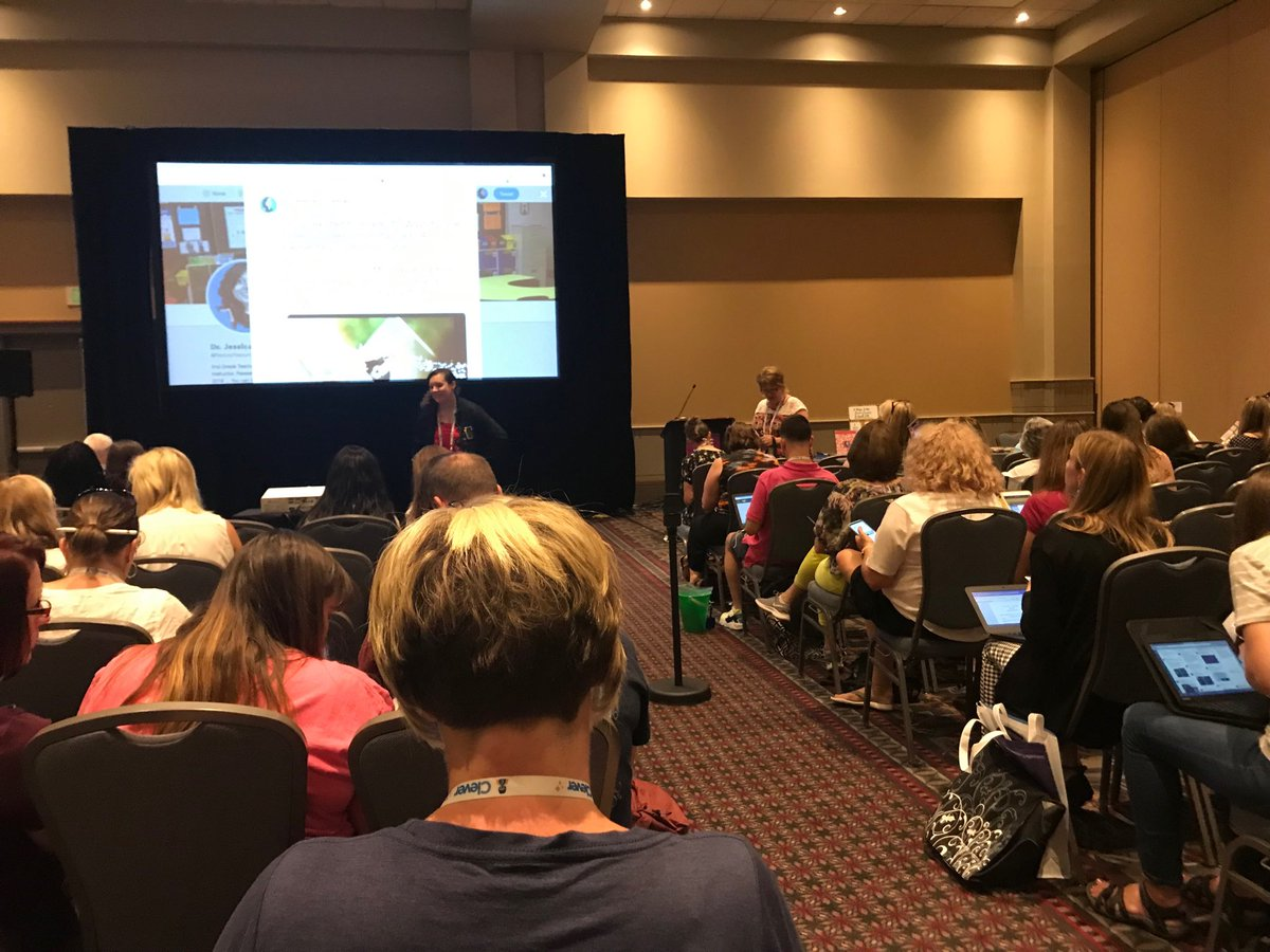 Full house in ⁦@RedcayResources⁩ session on Using the Green Screen in an ELA Classroom. #iste19redcay #iste19