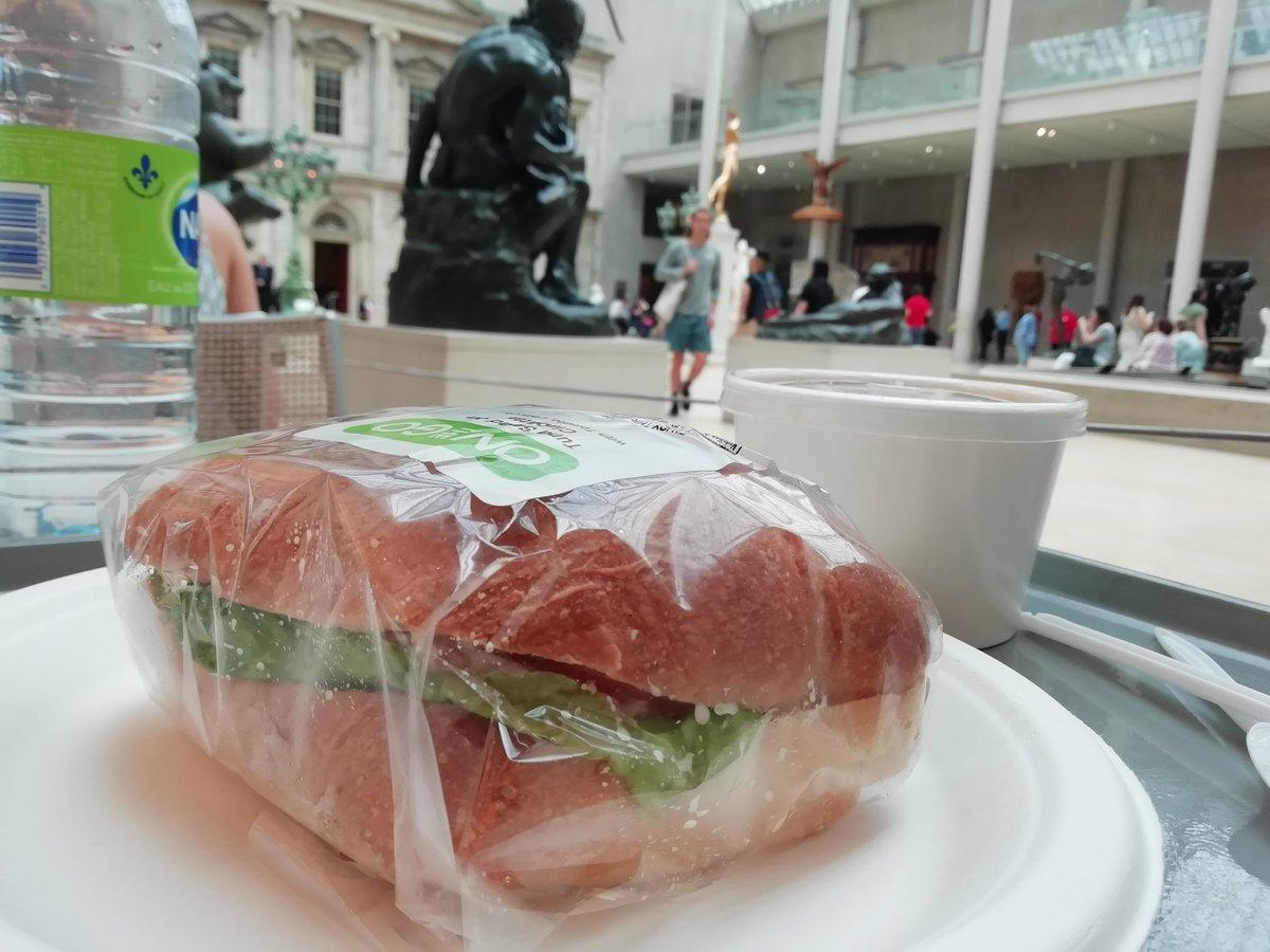 そしてメトロポリタン美術館でお昼ごはん〜〜 #ゆうら旅行記 https://t.co/wihHE5yvWI