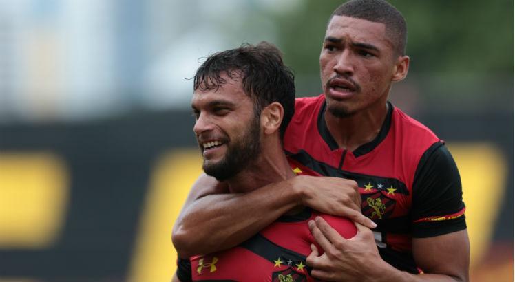 Adryelson tem retorno comemorado pelo grupo do Sport: