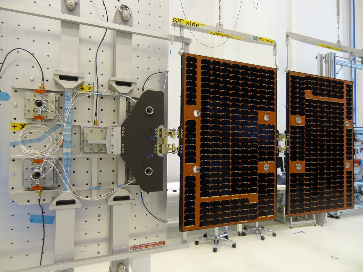 Yes, our wings are about to fly: 6 #Formosat-7 / COSMIC-2 satellites are set for launch tomorrow 05:30CET. Proud @AirbusDS_NL solar array team. #WeMakeItFly #NL_Space #SolarArrays #Launch