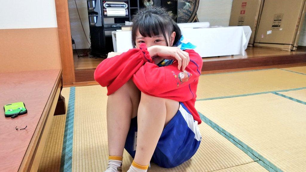 最初から最後までめちゃくちゃ。北海道から純粋無垢なまま東京に出てきた娘の最高も最低も体現したムロパナコ。何やってんだよ!バカ!と思いつつ、かつてのBiSへの情熱を100%甦らせてくれたのは貴女だから「私は諦めない」を忘れず再び表舞台に立つ日が来るのならまた会いに行く。世界を喜ばせろ!