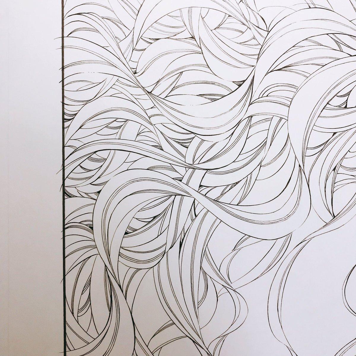 描いても描いても髪の毛のペン入れが終わらない。どうなってんだ。