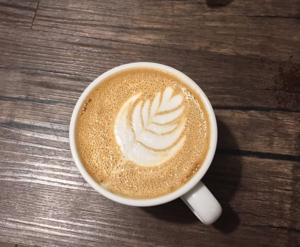 Las cosas buenas vienen en tazas de 240ml 😉   #cafe #romasur #laromadf #artelatte #cappuccino #taza https://t.co/Tivn08ISGK