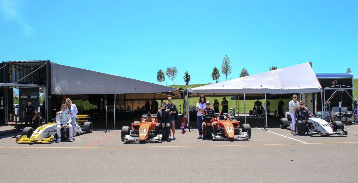 Family is everything! @F3Americas #Pittrace @HondaRacing_HPD @HankookTireUSA @SCCAOfficial @LigierAutomotiv<br>http://pic.twitter.com/Lvb0te3Ntg