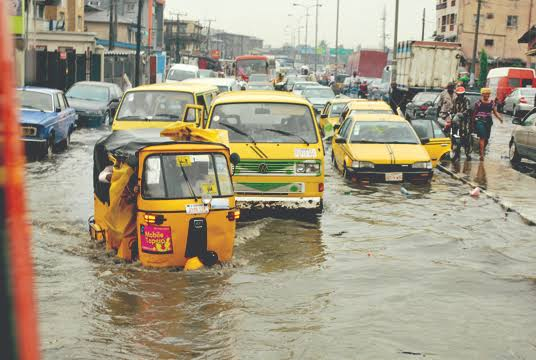 The difference between rain in Abuja and Rain in Lagos   In Abuja after rain, water disappears in few minutes.   In Lagos after rain, the road disappears few minutes.  <br>http://pic.twitter.com/mt9x01wZ01
