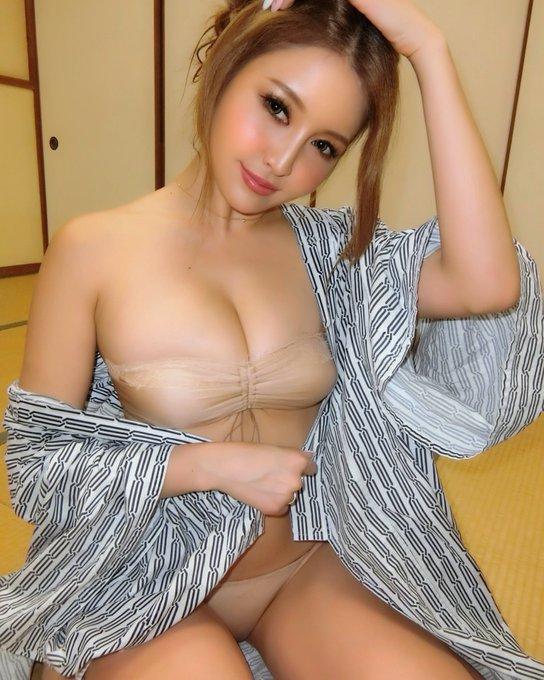 渡辺加苗のTwitter自撮りエロ画像18