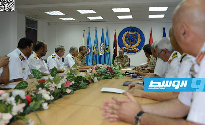 Chief of Staff of Al-Wefaq Gov't. holds meeting to discuss the needs of the naval base in Tripoli, #Libya  http://alwasat.ly/news/libya/248973…