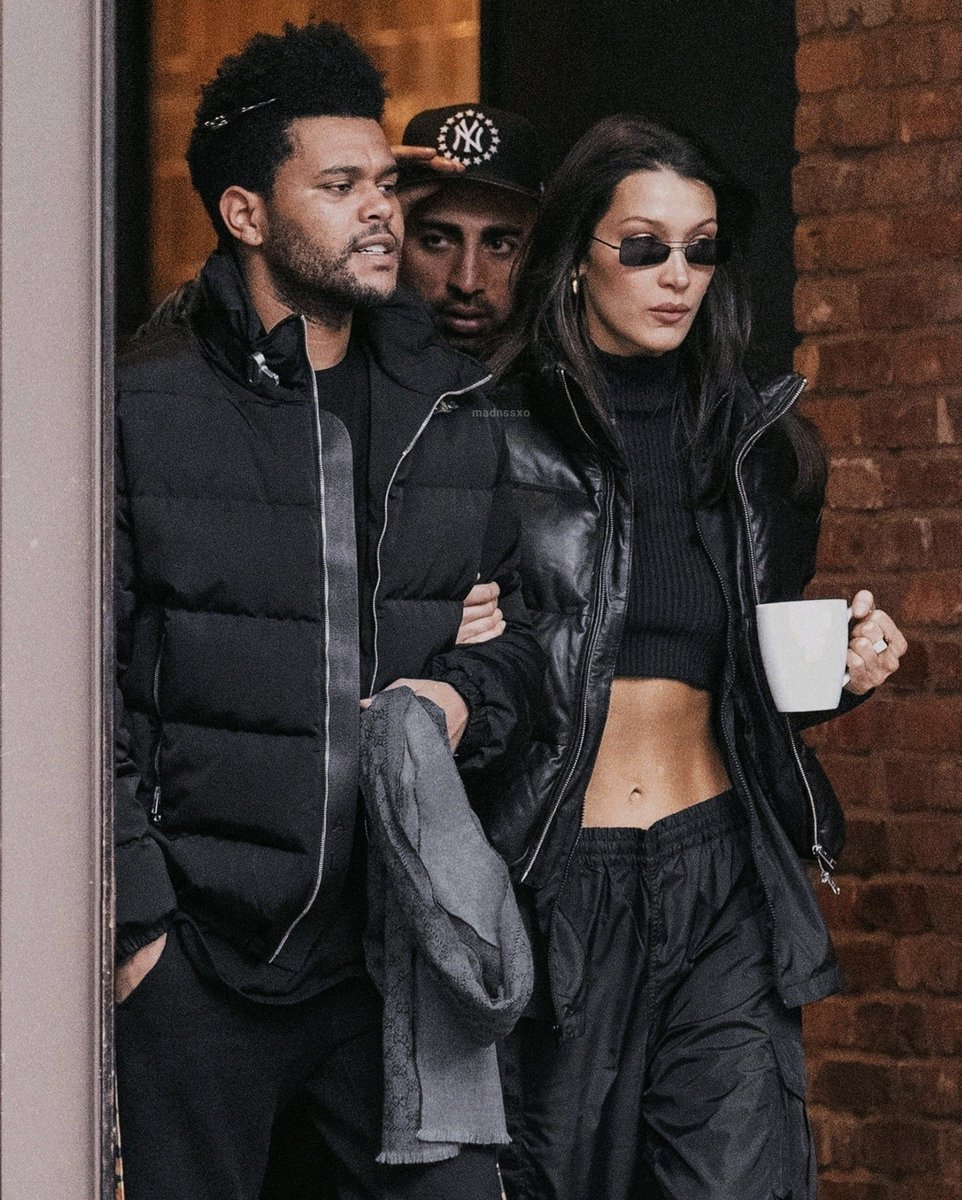 RT @madnssxo: The Weeknd & Bella Hadid with their matching clothes https://t.co/3rqUHe49ir