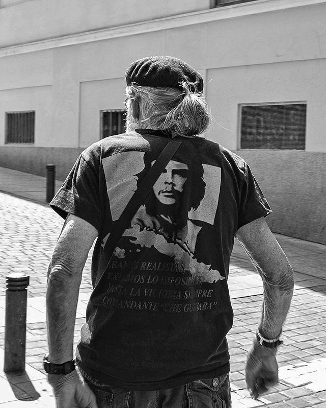 #madrid #elrastro #hastalavictoriasiempre #streetlife https://t.co/7arxwanMSo https://t.co/Q8rJGICZia