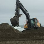 Image for the Tweet beginning: Annual Ocean Beach sand relocation