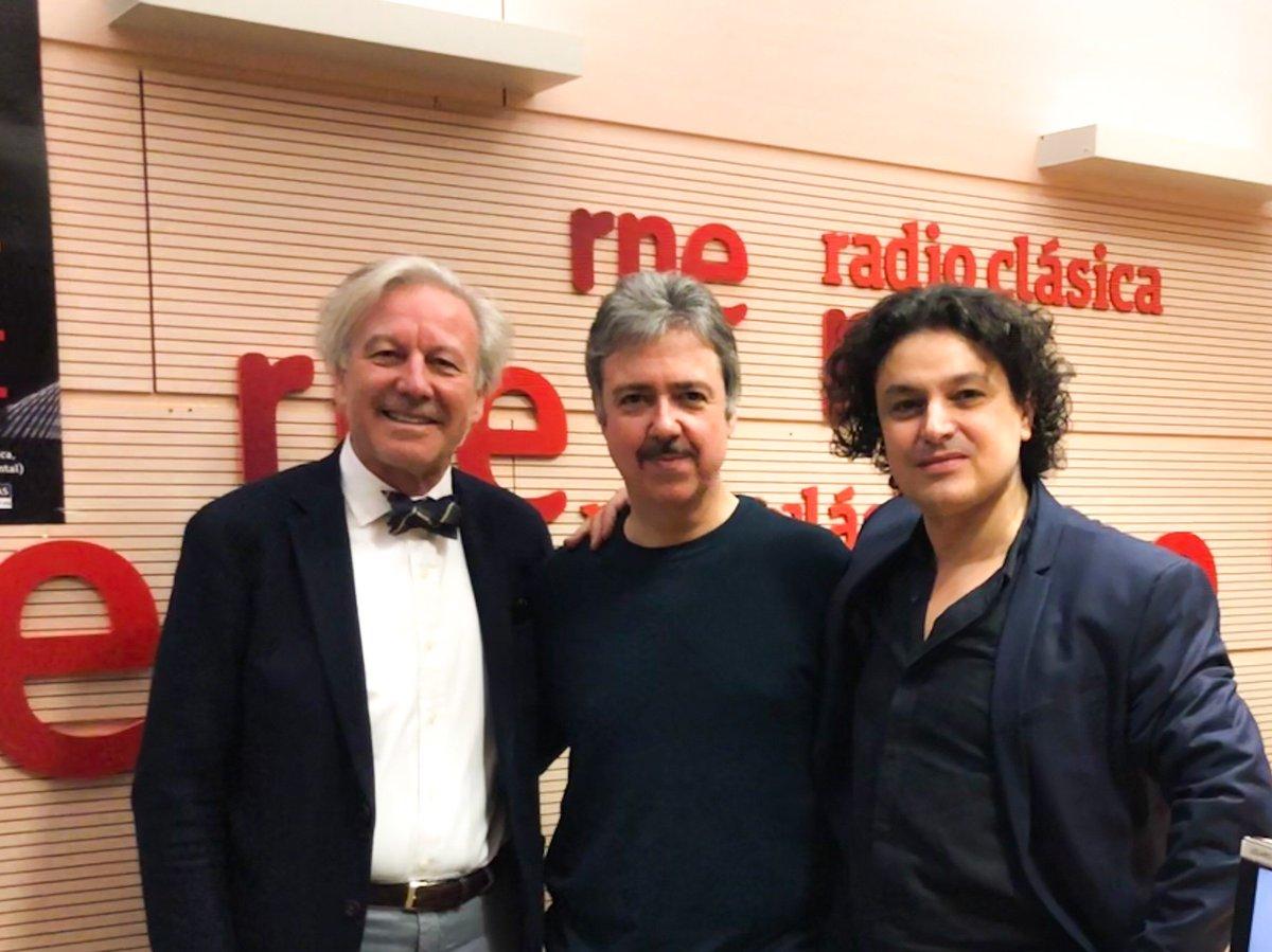 ...y mañana en el programa #LaDársena de @radioclasica  hablamos el maestro Ángel Gil-Ordoñez y yo sobre nuestro CD en torno a #ManueldeFalla con @JTrujillo_RC, en animada charla que siempre se me hace corta.