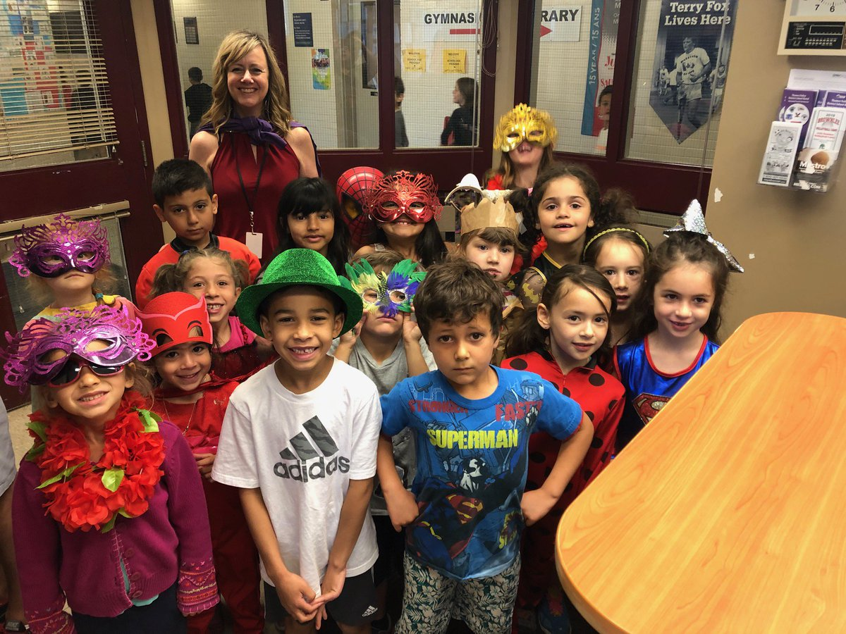 We had some Friday Fun in the KP office when all these grade one Superheroes stopped by! Learning is fun! #kensalparkfi<br>http://pic.twitter.com/fSYDxOD2r0