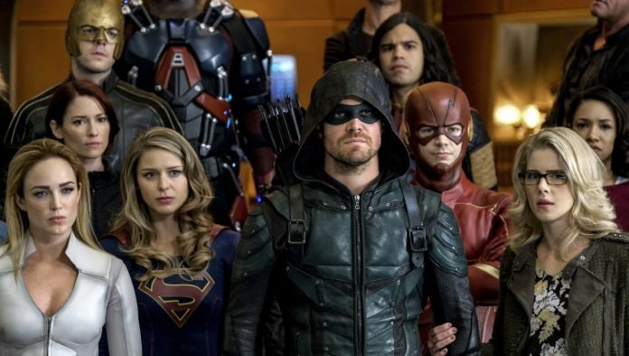 DC has announced panels for 'Arrow', 'Black Lightning', 'The Flash', 'Riverdale', 'Supergirl', 'Supernatural', 'Veronica Mars', 'Young Justice: Outsiders', 'Batwoman', 'Doom Patrol', 'Harley Quinn', 'Pennyworth' and 'Titans' at #SDCC. (Source:  http:// bit.ly/2LdaKu1    )<br>http://pic.twitter.com/jotgNJOW2F