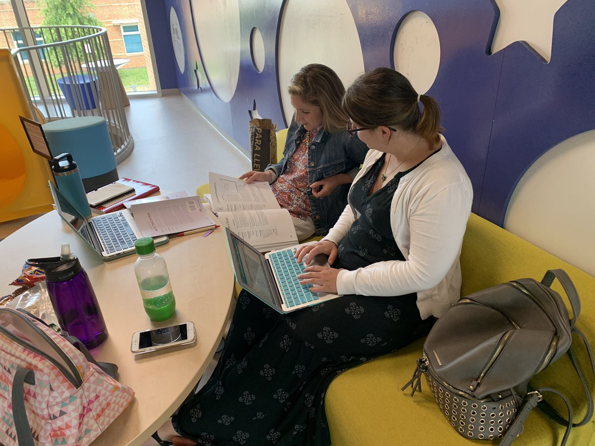 Elementary teachers working collaboratively during <a target='_blank' href='http://search.twitter.com/search?q=APSCRW2019'><a target='_blank' href='https://twitter.com/hashtag/APSCRW2019?src=hash'>#APSCRW2019</a></a>. Nice to have some cute little ones on hand for moral support! <a target='_blank' href='https://t.co/EHMotELJAU'>https://t.co/EHMotELJAU</a>
