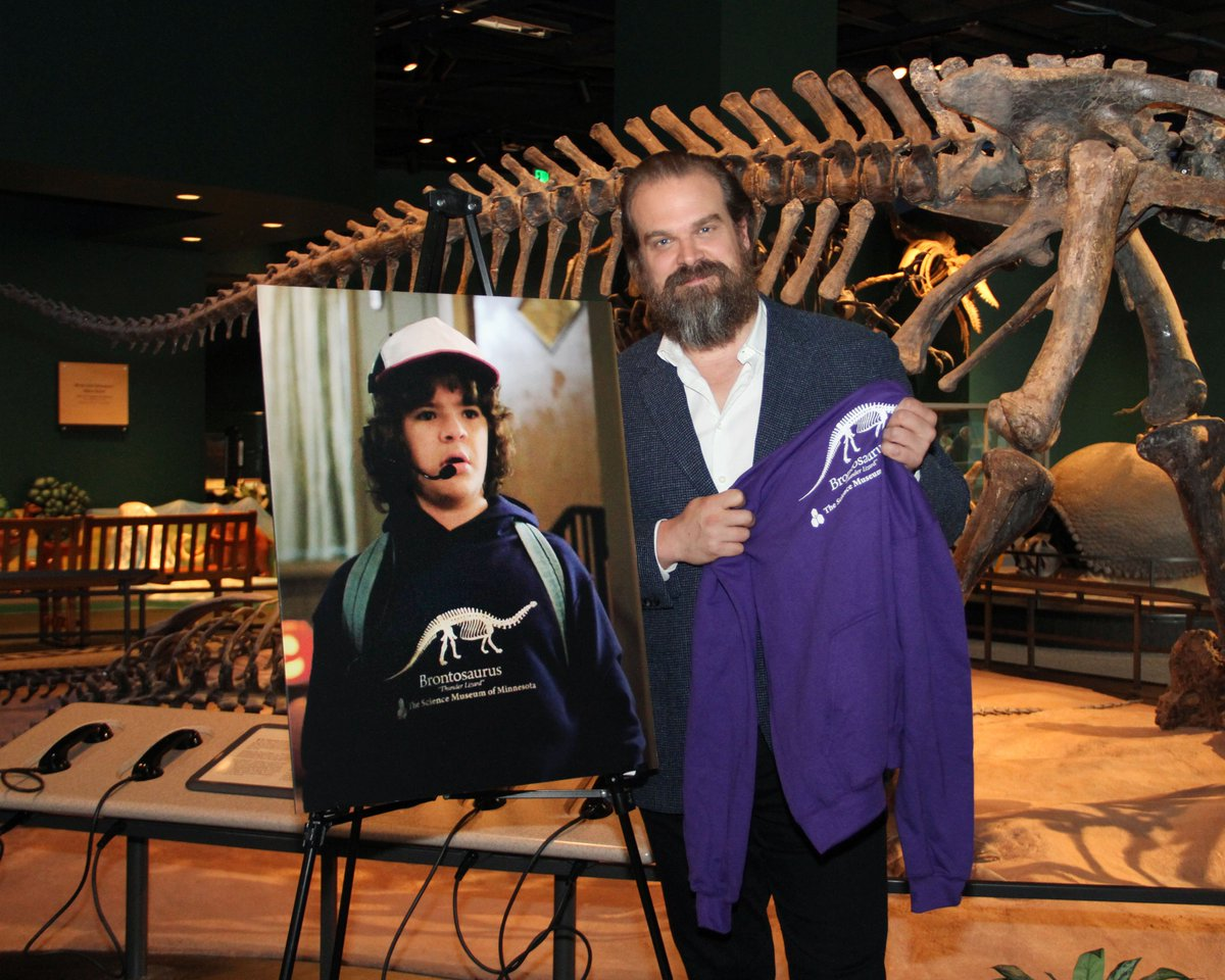 Look who stopped by to visit the dinosaurs! We had a great time hosting David Harbour, who plays Sheriff Jim Hopper on Stranger Things on @netflix. He even paused for a photo with the purple hoodie that turned our world upside down! #ThunderLizard #StrangerThings3