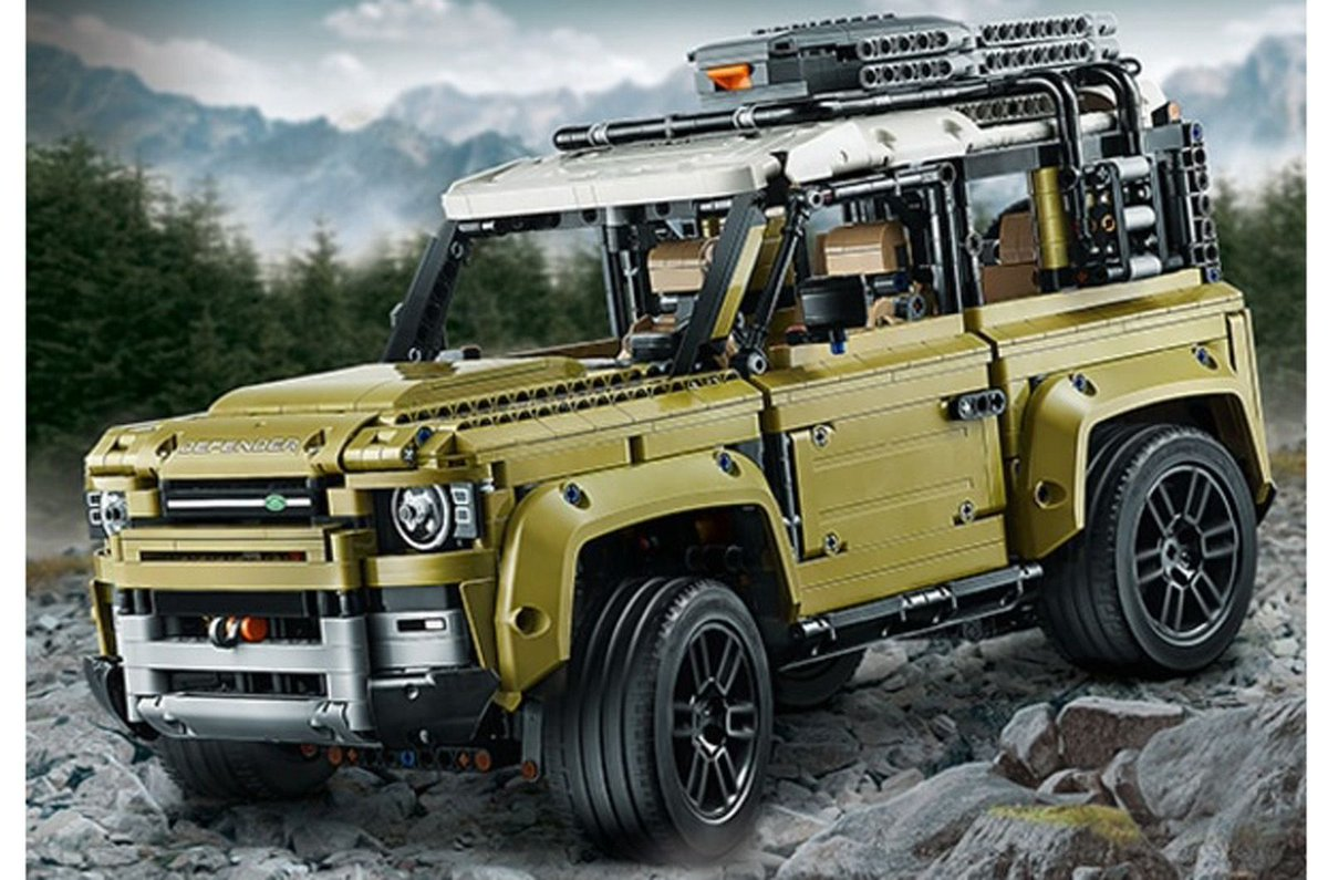 The covers have come off the Land Rover Defender. Well... sort of. The new #LEGO model of Solihull's long-awaited mudplugger has leaked online, giving us an early look at some bare bodywork: https://buff.ly/2KzehmX