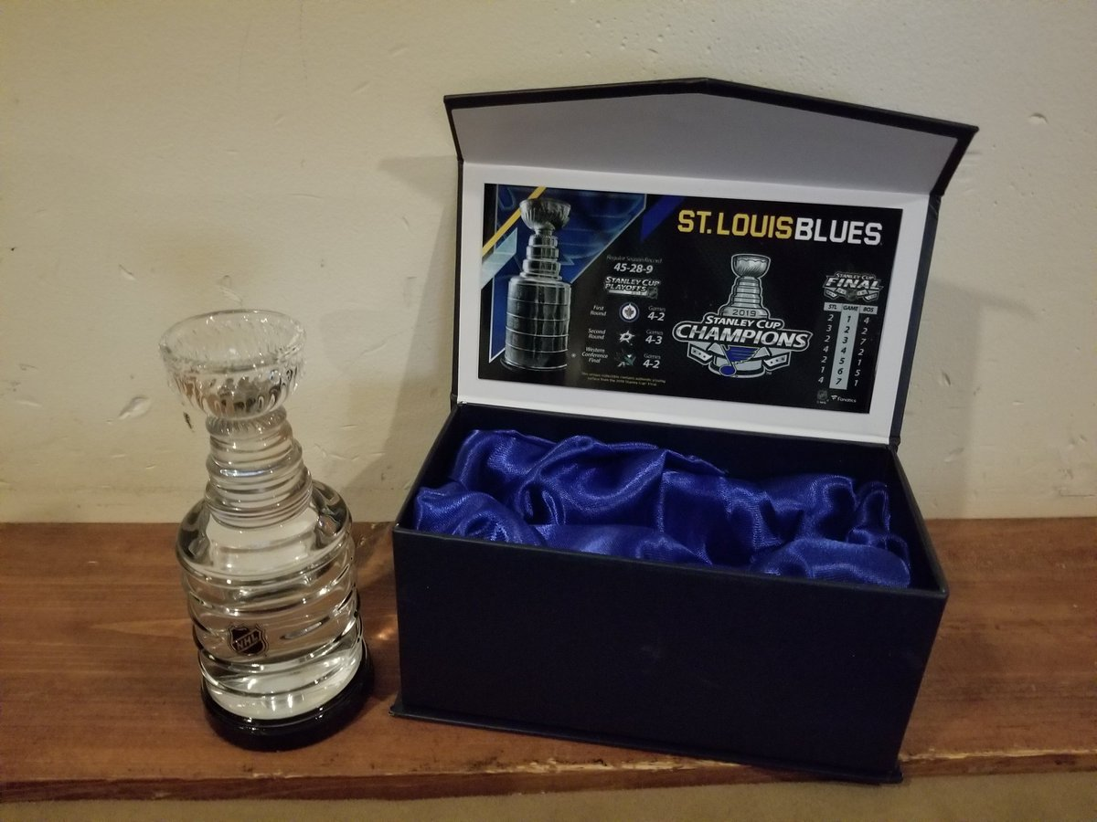 #mailbag Got my #StanleyCupChampions @StLouisBlues crystal @StanleyCup filled with #StanleyCupFinals game ice (now water)!! #LetsGoBlues #WeAllBleedBlue #WeGotTheCup