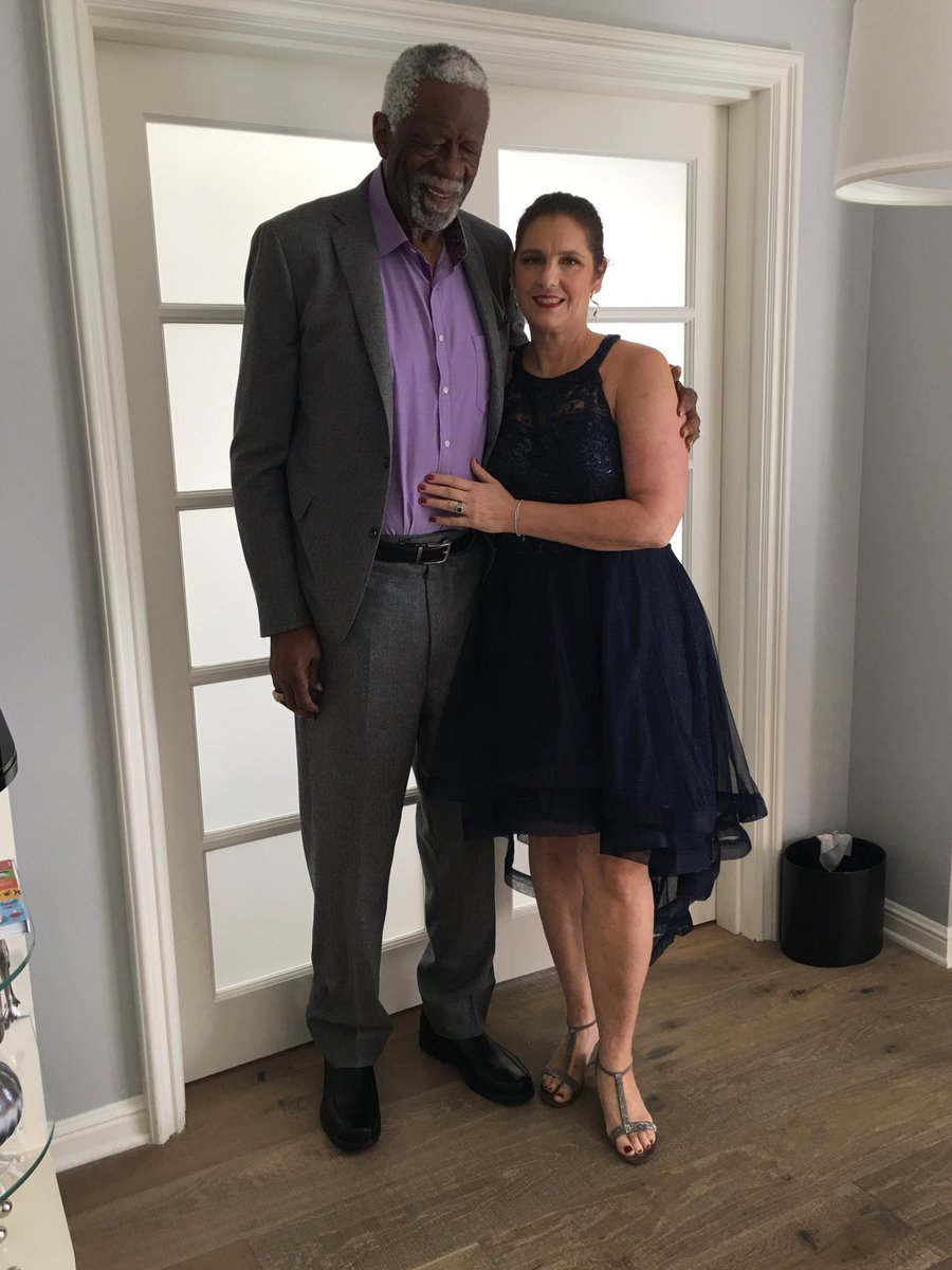 All dressed up and on the way to the #NBAAwards ⁦@NBA⁩ #MondayMotivation ⁦@NBAonTNT⁩