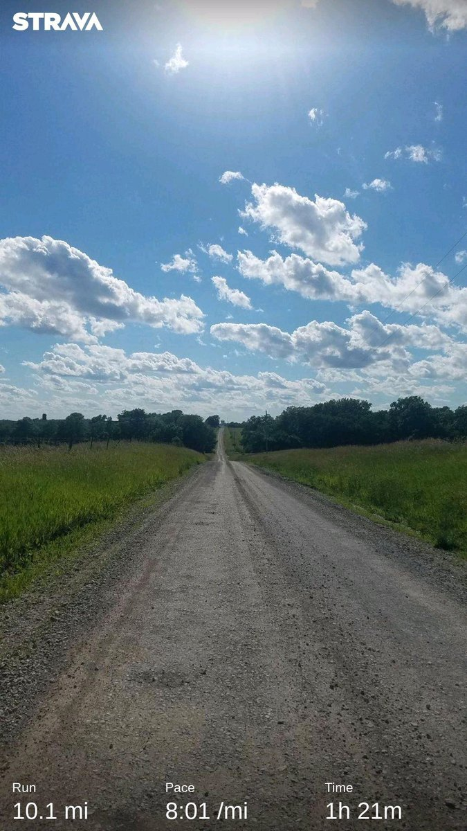 10mi of dirt roads, hills, big white clouds, and a bright blue sky! ❤ #WhatAWonderfulWorld  Heading to Branson for a mini vacation bright & early tmrw #soexcited  #dirtroadtherapy #naflagvisorww #naflagvisor