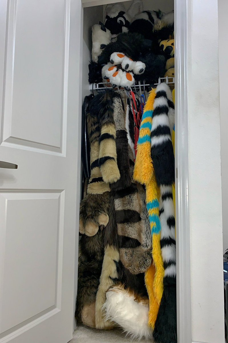 Only furry households would have such dedicated closet. <br>http://pic.twitter.com/BDfLHxuxz6