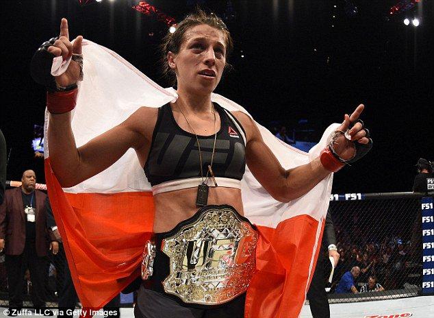 #AndStill The Most Dominant Strawweight! #StrawweightQueen #PolishQueen #MuayThai #MMA #UFC 🇵🇱🏆🏆🏆🏆🏆🏆🥇#Forever #Champion