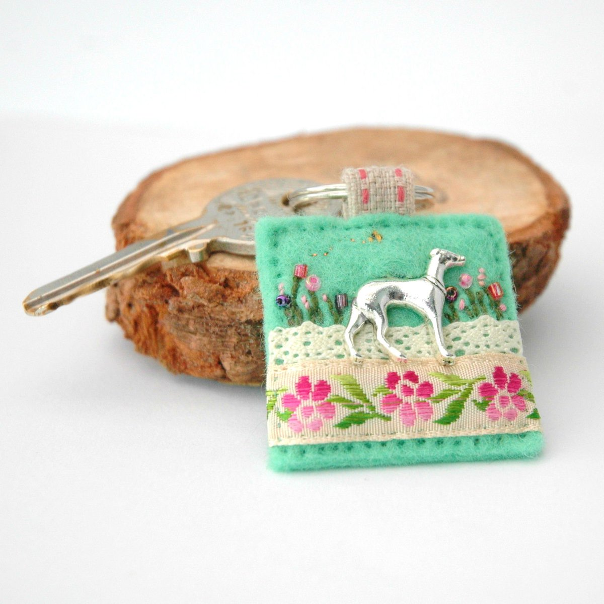 Greyhound keyring in spring green - unique hand sewn #accessories in decorative #felt by Ellie's Treasures.     https:// etsy.me/2X3EDiW        #EarlyBiz #lincsconnect #handmade #giftideas #greyhounds <br>http://pic.twitter.com/DEkPZJscM0