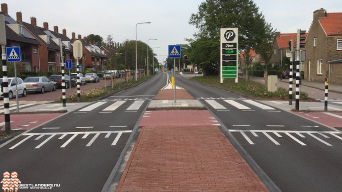 Klachten over verkeerssituaties bij Portalaan en Kruisbroekweg https://t.co/xFBRmWLcay https://t.co/3uVzjoLrSm