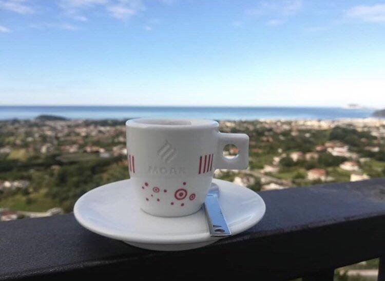 Good morning & perfect coffee from #Minturno @caffe_paradiso_ #caffemoak #moakpeople #moakcoffee #espresso #caffe https://t.co/12lxjAKuBU