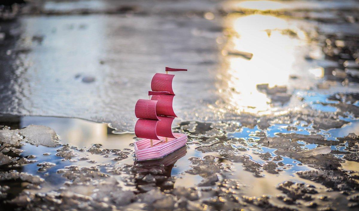 Картинки кораблик плывет по реке