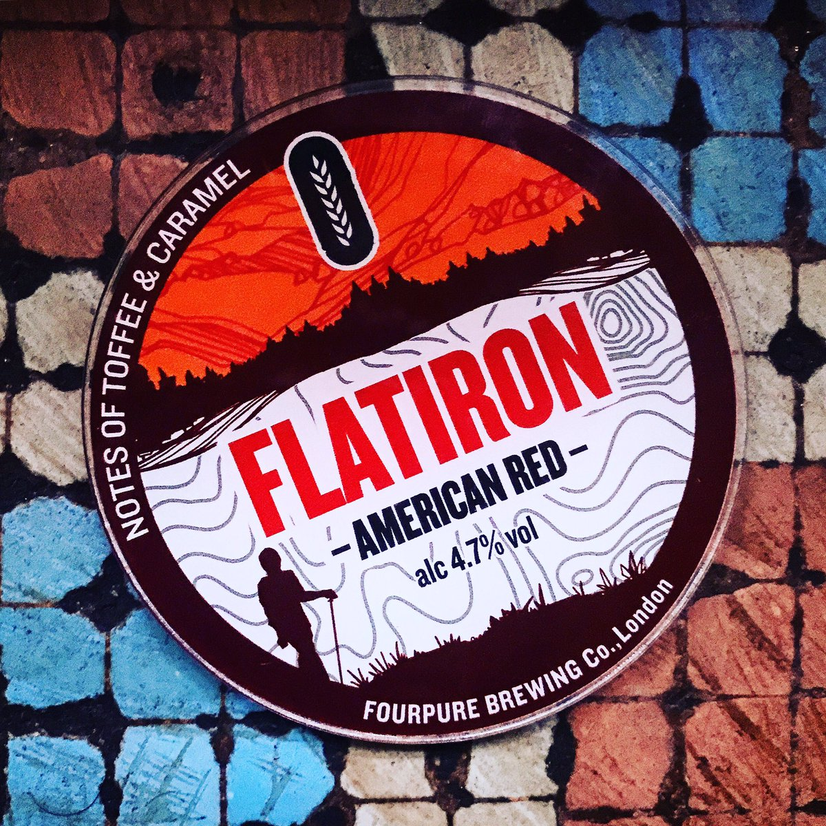@fourpurebrewing Flatiron #american #red is on the #bar @ 4.7% 🍺😋🍺 #craft #beer #craftbeer https://t.co/yDiEL1YKuR