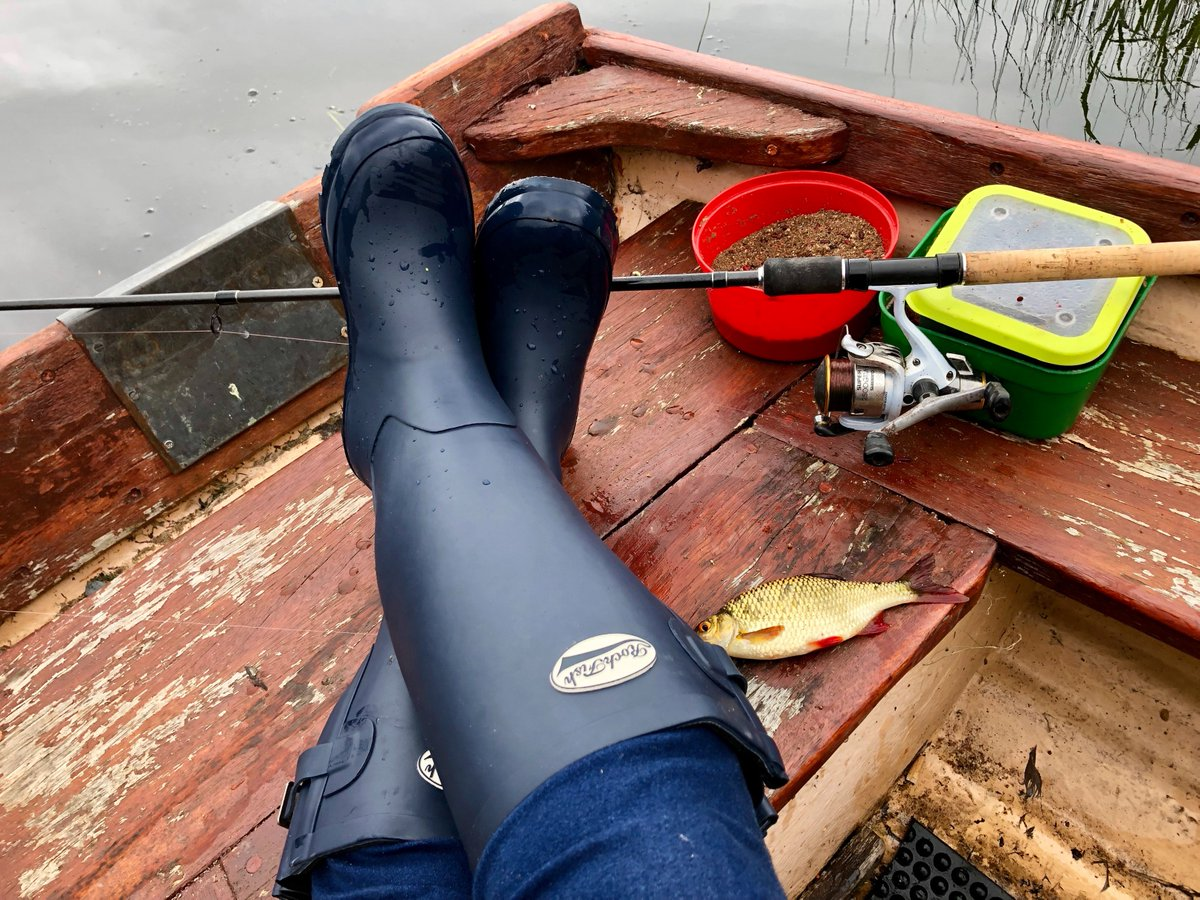 #Competition SUMMER FUN - #win 2 pairs of Rockfish wellies. Worth £169.00 Fantastic prize for you and your chosen one! Rockfish MADE TO LAST. 10% OFF promo code: SUMMERFUN  https:// rockfishwellies.com      TAG a friend into the comments box & follow to enter. Ends 2nd July, midnight.<br>http://pic.twitter.com/ka4P0760ZY