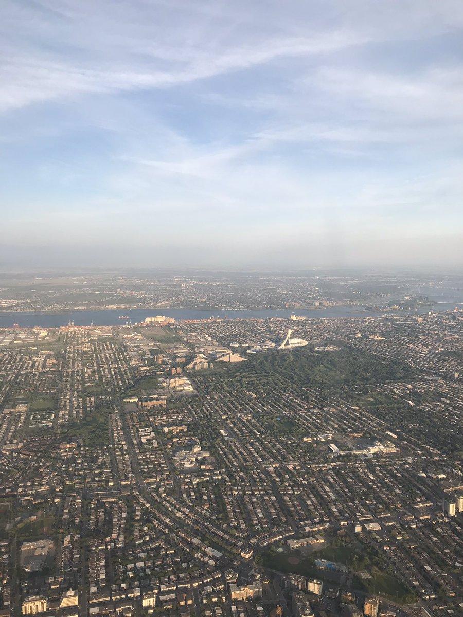 De retour à Montréal après une semaine positive pour #a220 à #PAS19 avec 95 nouvelles commandes et engagements, au boulot! #WeMakeItFly #Airbus