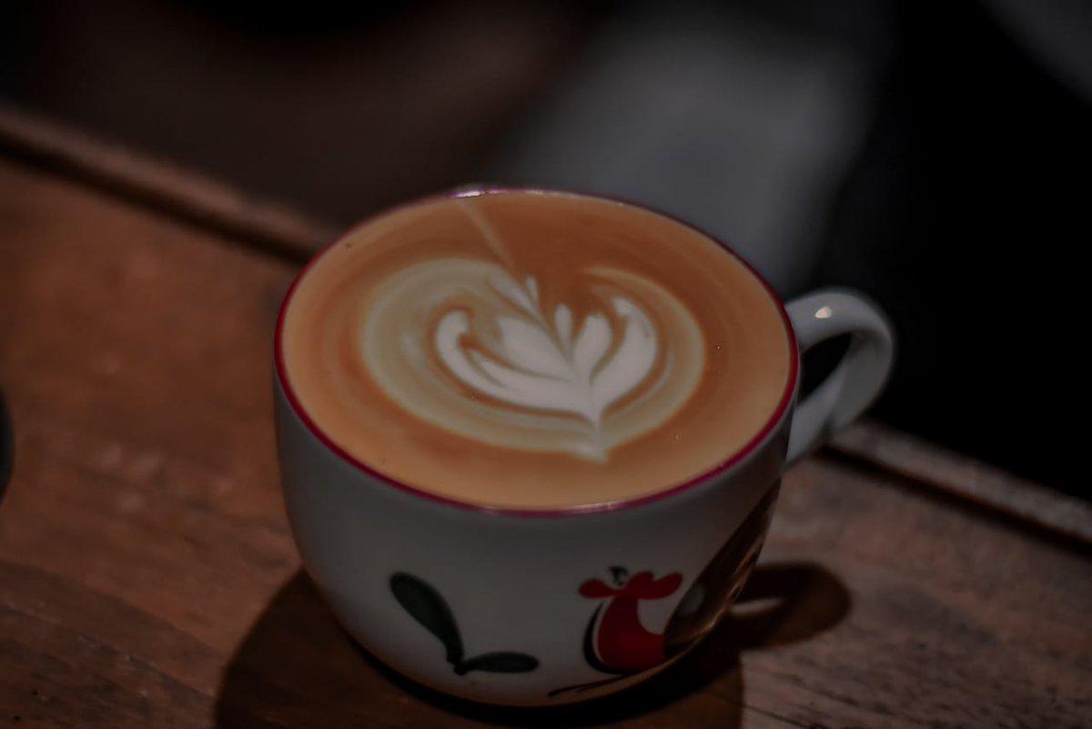 #latteart #cappuccino #cafelatte #coffee #blackcoffee #Tulips #roseta https://t.co/ynDJwxVUq3