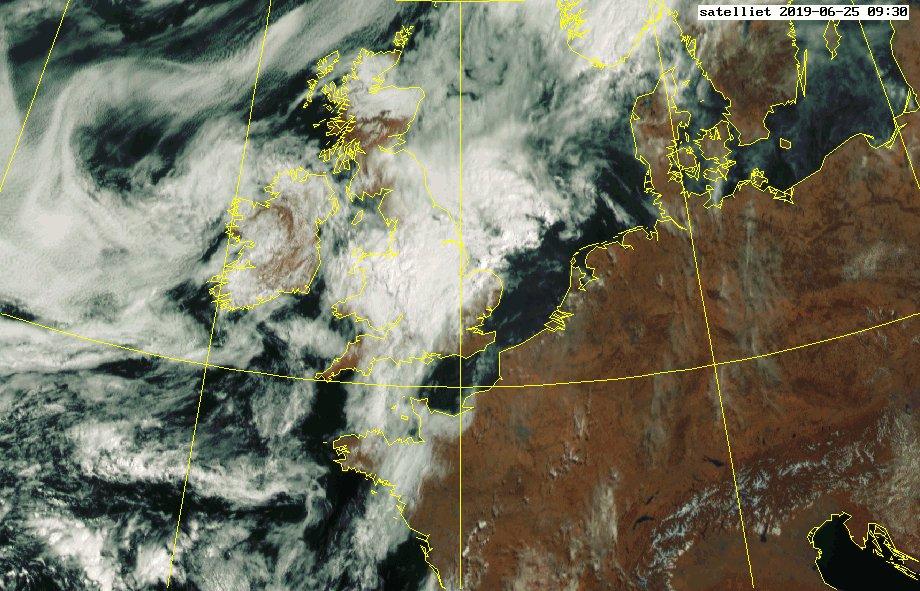 Het satellietbeeld van vandaag! #nederlandvanboven #wolken #zon #clouds #fromabove #sun #netherlands #photooftheday https://t.co/FtEivYnzTH