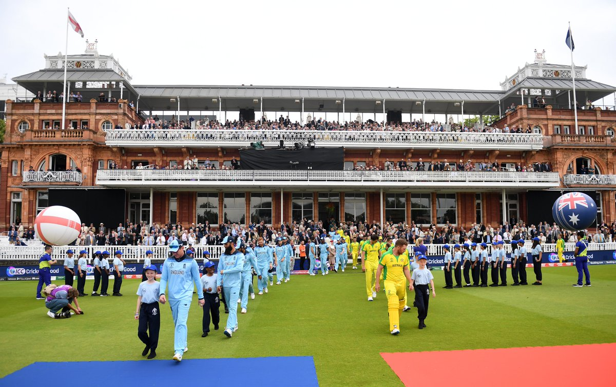 One of the most anticipated clashes of #CWC19 is underway at the @HomeOfCricket! We are in store for an absolute treat 🙌 #WeAreEngland | #CmonAussie