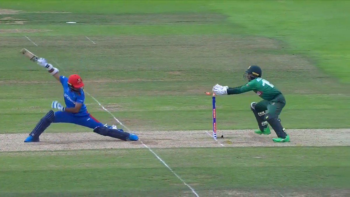 😍 A classic off-spinners dismissal from Mohammad Nabi 💥 A huge six from Mushfiqur Rahim ⚡ A rapid stumping from the same man Head to bit.ly/CWC19POTD to vote for your @Nissan Play of the Day from yesterdays #BANvAFG clash. #CWC19