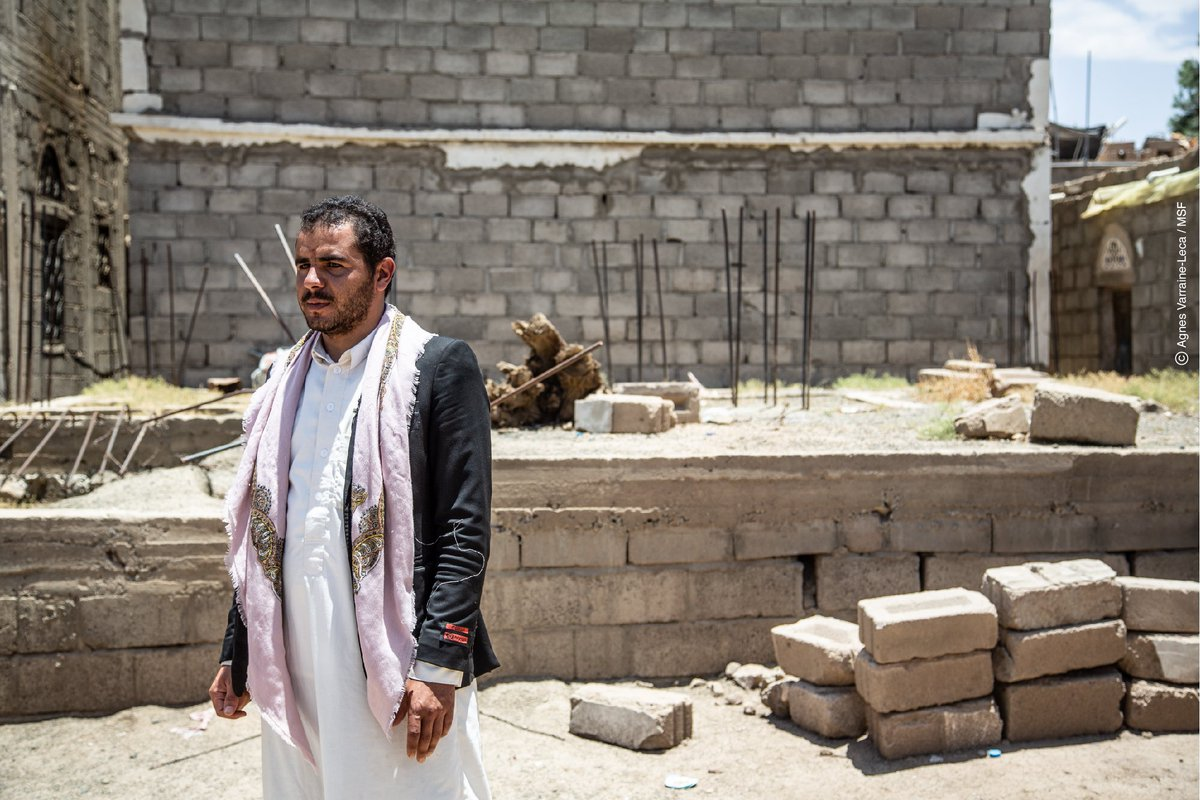 Faez works as a watchman in Saada city. His mother died during the bombing of his house. He is building a new house on the ruins of the former one. #Yemen #UntoldStories #YemenCrisis