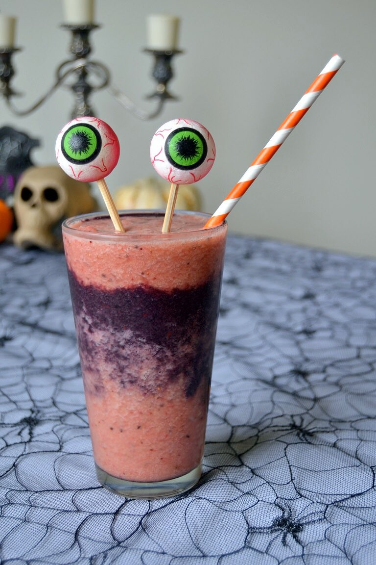 MONSTER MASH Smoothie via Tattooed Martha. #GhastlyGastronomy   http://www. tattooedmartha.com/2013/10/25/mon ster-mash-smoothie/   … <br>http://pic.twitter.com/gTHUCMsWH1