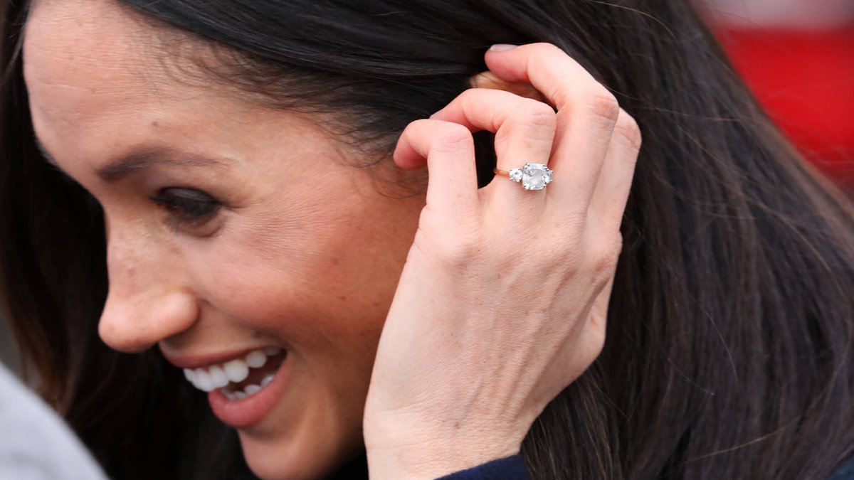 Meghan Markle has apparently changed her engagement ring http://marieclai.re/7wXPME