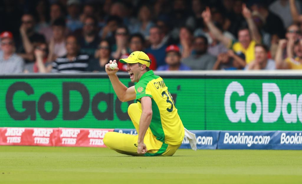 England are in all sorts of trouble at the end of the first Powerplay at 39/3 😬 Mitchell Starc has struck twice after Jason Behrendorff bowled James Vince with the second ball of the innings. Can Jonny Bairstow and Ben Stokes help their side rebuild? #CWC19 | #ENGvAUS