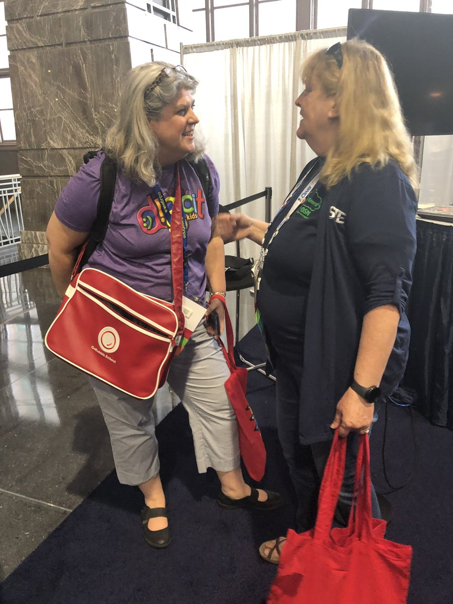@mbfxc @m_drez are sporting their @joinbubble bags! #DigCitKids #iste19