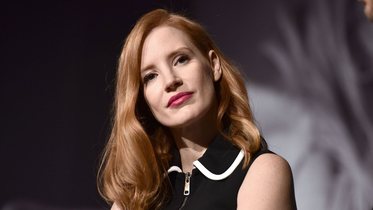 Jessica Chastain says directors told her she was 'talking too much about this woman stuff' http://marieclai.re/05Aq9D