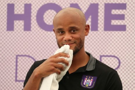 """Kompany on Lampard - """"Sign him up. Hes the man. I learnt so much from him. Frank was an incredible professional, he stepped the level up for everyone else, Im trying to have the same impact as an older player. The match is natural with Chelsea. I completely support him."""""""