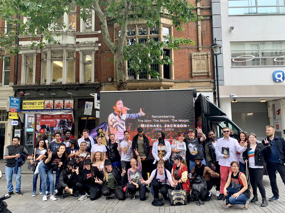 Big L.O.V.E for the #MJFAM in London today! Still dancing as I type this, outside @CapitalOfficial #10YearsWithoutMichaelJackson #MJforever #MJ10