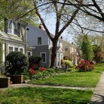 April Case-Shiller Results and May Forecast: Getting Back to Normal: Home prices climbed 3.5% year-over-year in April, a slowdown from 3.7% in March. The 10-city composite rose 2.3% year-over-year, which was a slight gain from 2.2% growth in March. The… https://t.co/WHepI8lhD1