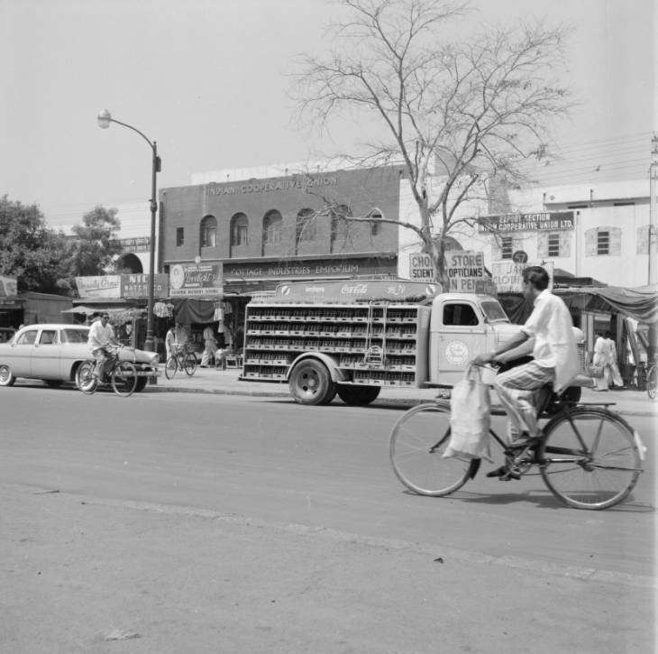 1952 :: Coca Cola Truck In Delhi   (Photo - University of Wisconsin-Milwaukee Libraries ) <br>http://pic.twitter.com/INuZfcIDcT