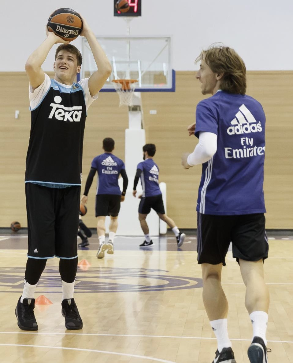 I'm glad you listened to my pointers on how to dunk 😉🤪 Congrats my friend! 🔝🏀 @luka7doncic #ROY @NBA @NBAspain